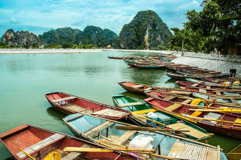 Vietnam boats islands