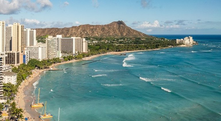 View-Waikiki-Beach-Honolulu-Hawaii-Neighbourhood-Travel-Guide