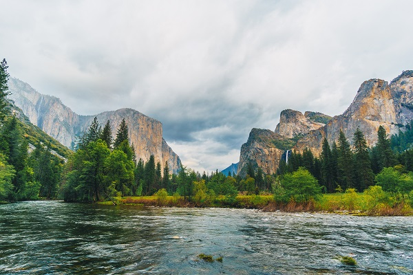 Yosemite-National-Park-United-States-America