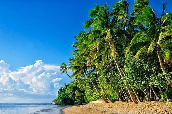Beqa-Island-Lagoon-Beach-Fiji-Snorkelling