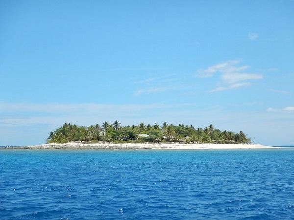 Navini-Island-Snorkelling-Fiji