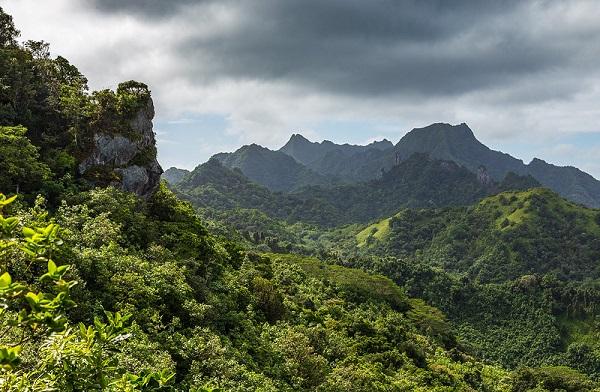 View-Rarotonga-Volcanic-Mountains