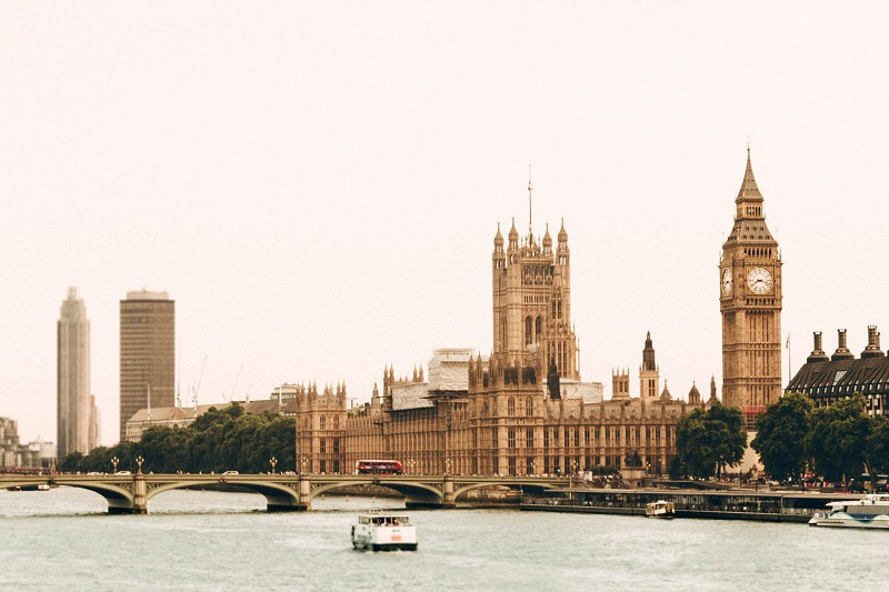 London-Houses-Parliament-Big-Ben